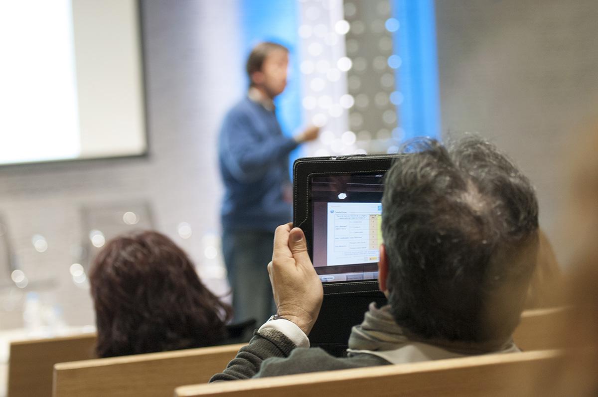 Un momento del taller donde las tablets fueron usadas por los asistentes