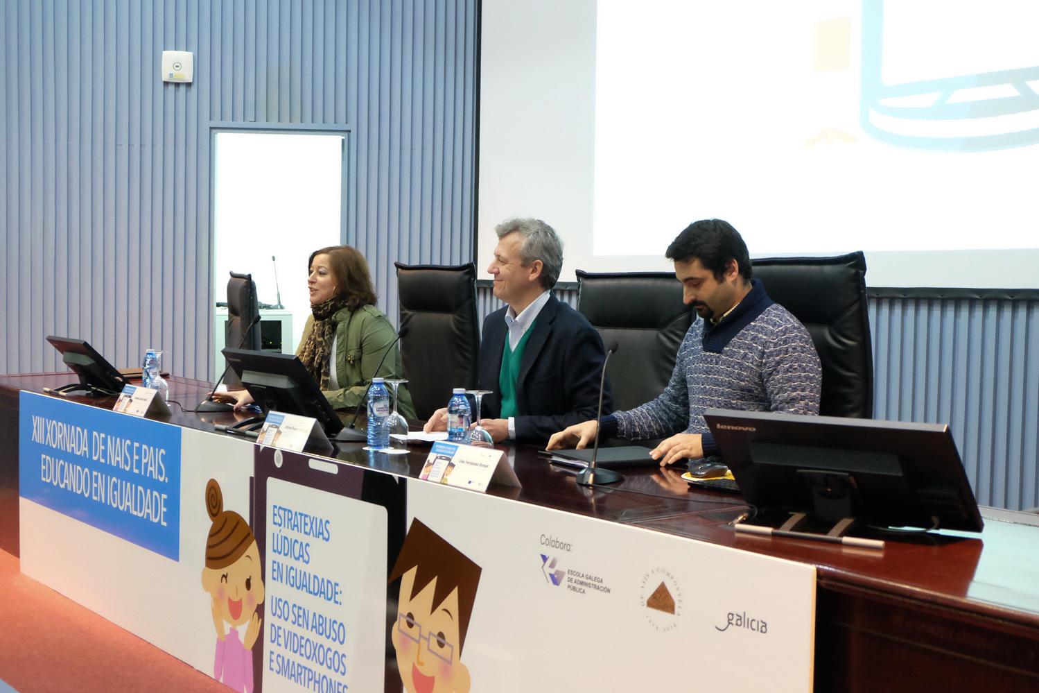 Urko Fernández, director de proyectos de PantallasAmigas, participó en la Jornada