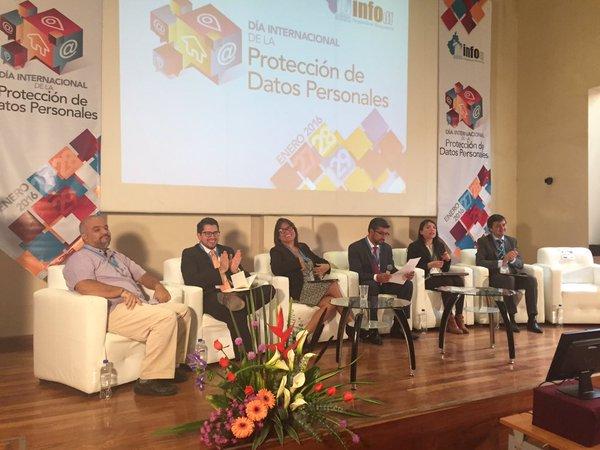 Seminario_ de_Protección_de_Datos_Personales_analiza_la_seguridad_en_Interne_y_redes_sociales