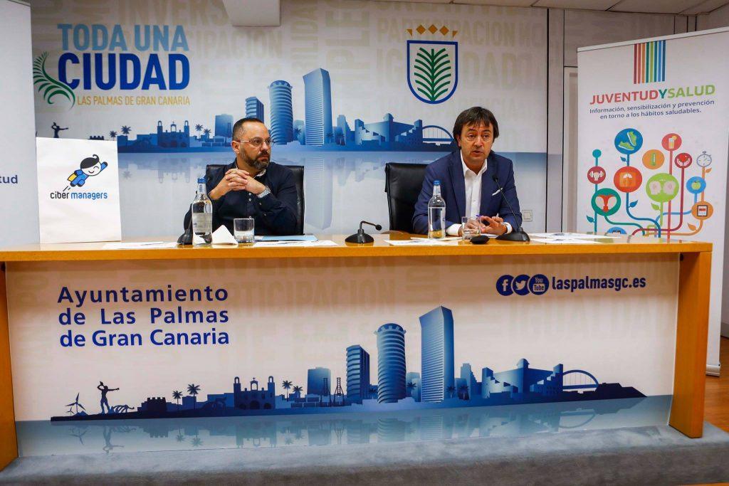 Jacinto Ortega y Jorge Flores durante la presentación del programa