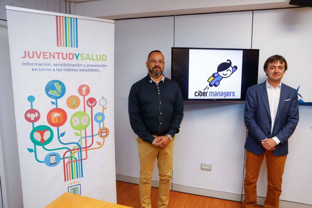 Jacinto Ortega - concejal de Cohesión Social y Juventud del Ayuntamiento de Las Palmas de Gran Canaria - Jorge Flores - Director de PantallasAmigas - cibermentores