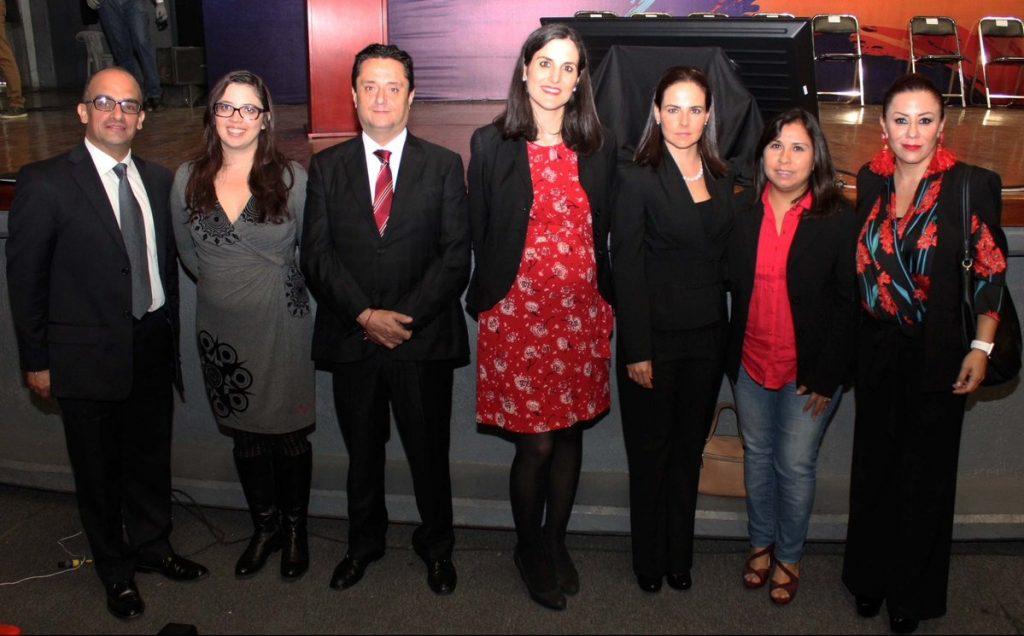 Javier García Blanco (PantallasAmigas), Daniela Baptista (UNODC), Carlos Loeschmann (ITAIPUE), Marta Vegas (Telefónica Movistar) , Gabriela Sierra (ITAIPUE), Mireya Arteaga (Comisionada IMIPE) y Laura Carcaño (ITAIPUE)