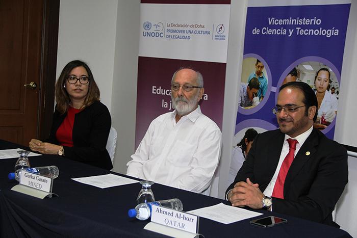 Presentación del Programa de capacitación por Erlinda Hándal Vega, Ahmed Mohamed Al-horr y Nayelly Loya Marín